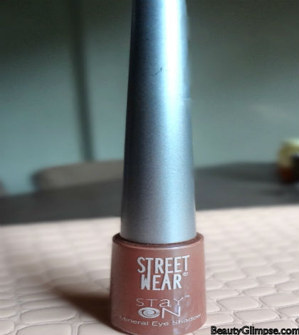 Streetwear Stay On Mineral Eyeshadow Review