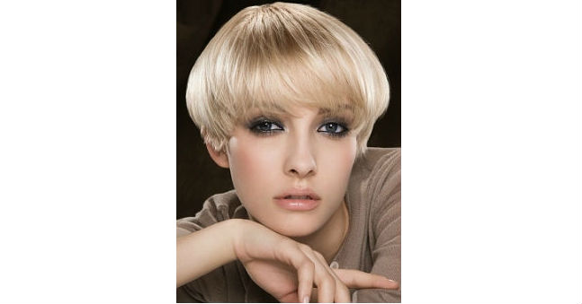 Peachy 5 Steps To Do A Bowl Cut Hairstyle Hairstyle Inspiration Daily Dogsangcom