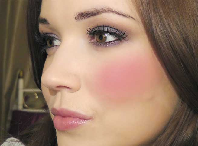 Tips To Get Perfect Rosy Cheeks Naturally