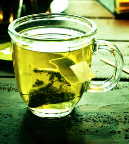 Use Green Tea to Deal With Acne and Breakouts