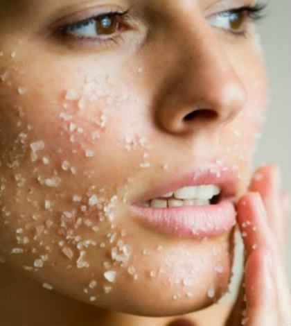 Say 'No' to Acne With Sea Salt Scrubs