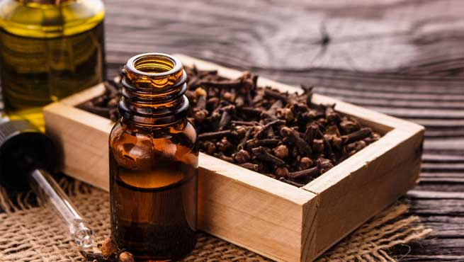 Clove Oil for Treating Acne