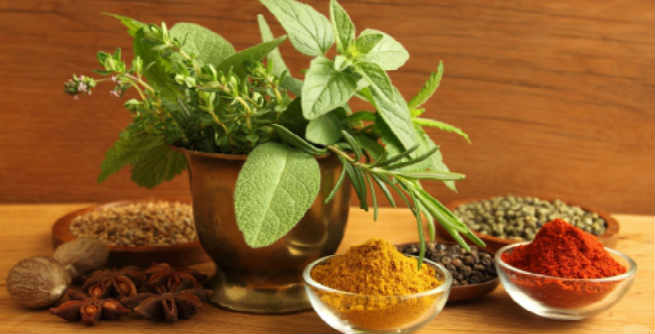 Best Herbs and Spices to Stimulate Your Hair Growth
