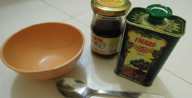 Olive Oil and Honey Hair Mask at Home