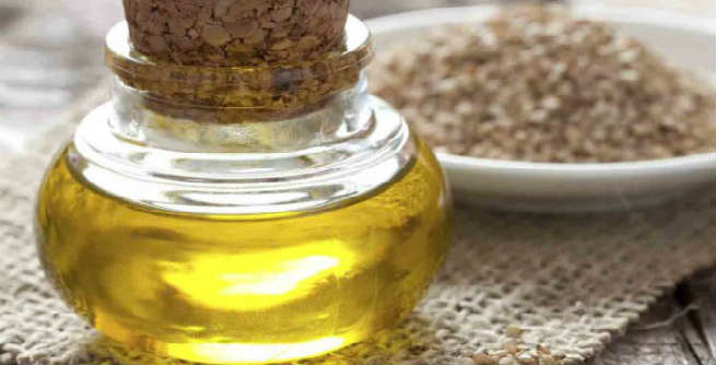 10 Excellent Benefits of Sesame Oil for Your Hair