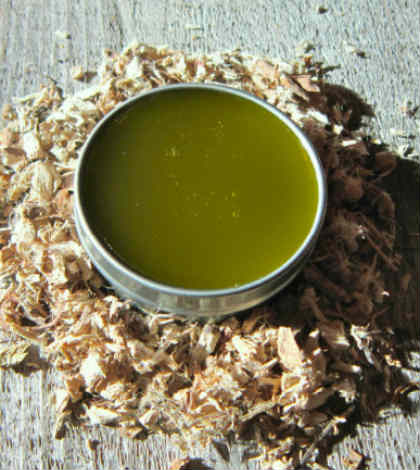 How Tamanu Oil Can Benefit Our Hair and Skin?