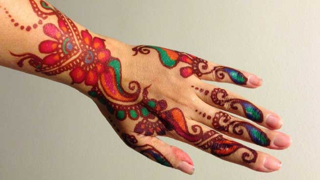 10 Beautiful Bangle Mehendi Designs