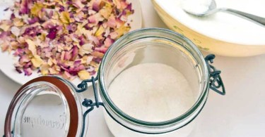 Homemade Rose Petal Bath Salts