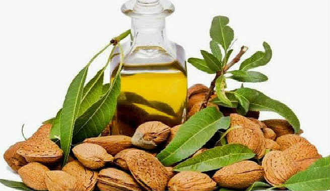 almond-oil-remove-makeup-1