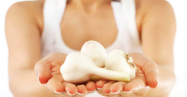 Garlic Shampoo For Hair Loss – Know The Simple Recipe With Amazing Benefits