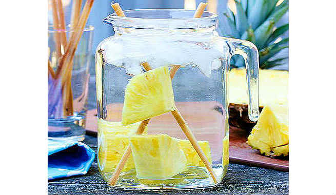 Pineapple And Sugarcane Detox