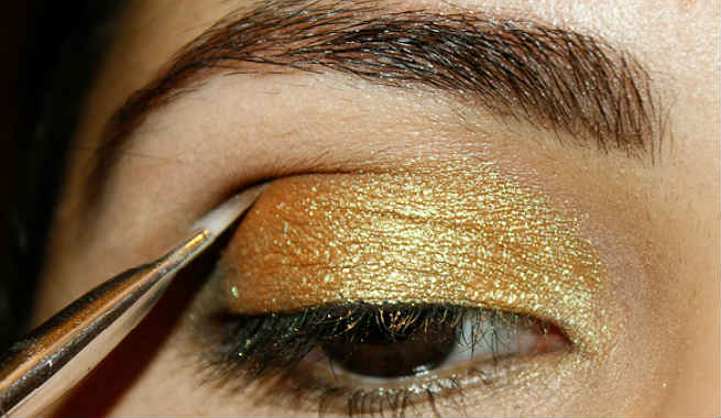 Hooded Eyes? Not Any More. Try These Genius Makeup Tricks Today!