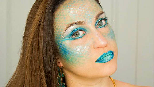 How To Wear A Dazzling Mermaid Makeup?